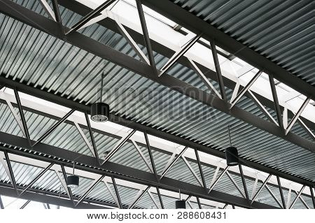 Modern Steel Roof Construction, Iron Work, Construction Tin Roofs, Skylights In Roof, Ceiling Constr