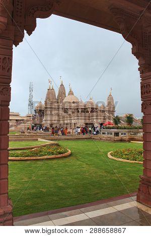 Narhe, Pune, Maharashtra, September 2018, Devotee At Baps, Shri Swaminarayan Mandir At Mumbai-bengal
