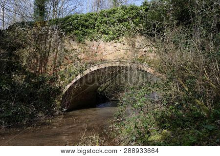 Boyce Court Bridge Over Disused Herefordshire And Gloucestershire Canal South Of Dymock, Gloucesters