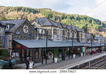 Betws Y Coed, Uk - Feb 12, 2019: People Standing On The Platform Of Betws Y Coed Railway Station On