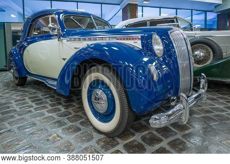 Arkhangelskoe, Russia - August 26, 2020: Retro Car Opel Admiral In The Vadim Zadorozhny Museum Of Te