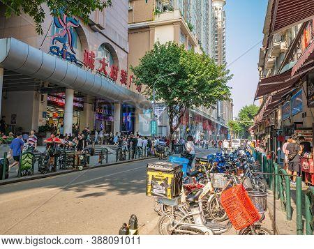 Guangzhou/china-24 Aug 2019:unacquainted People Walking In Shisanhang Clothing Wholesale Marke At Gu