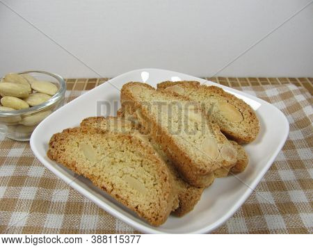 Cantuccini From Spelt Flour With White Almonds