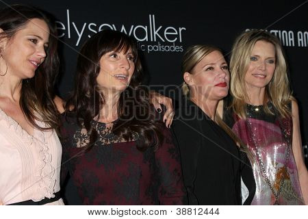 LOS ANGELES - OCT 26:  Rona's Guest, Rona Pfeiffer. DeeDee Pfeiffer, Michelle Pfeiffer arrives at