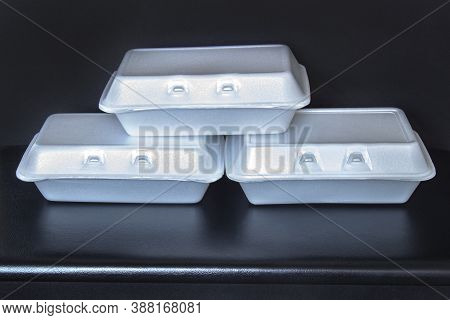 Front View Of Styrofoam Takeaway Boxes, White Foam Boxes, Rectangular Shaped Clamshell Style Contain