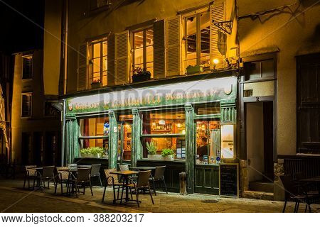 Chartres, France -october 18, 2019: Street View By Night With Pub, Bar And Restaurant In The Center