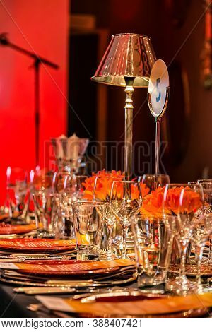 Christmas Decor With Candles And Lamps For A Large Party Or Gala Dinner