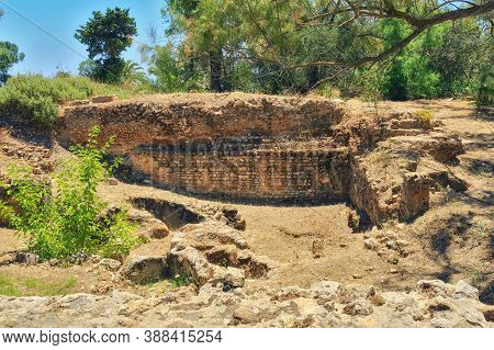 Foundation Of The Building During The Roman Punic Wars. Anthony Terms In The Excavations Of Carthage