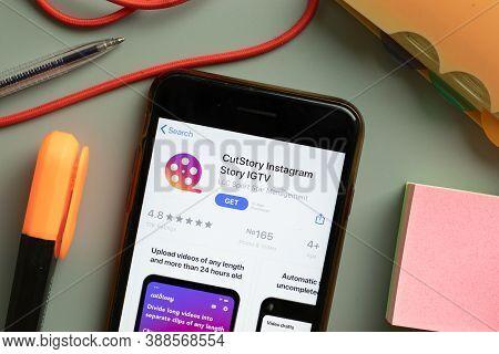 New York, Usa - 29 September 2020: Cutstory Instagram Story Igtv Mobile App Logo On Phone Screen Clo