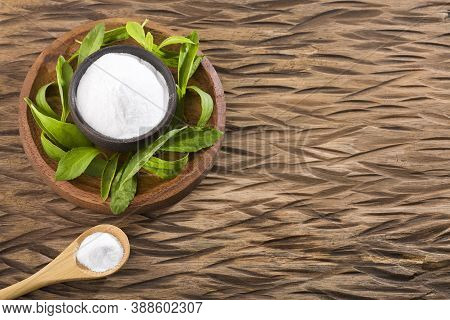 Fresh Green Stevia Herb And Extract Powder - Stevia Rebaudiana