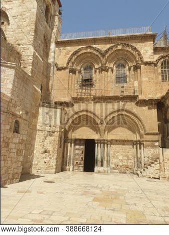 Jerusalem, Israel. September 15, 2020. An Empty Square In Front Of The Church Of The Holy Sepulchre,