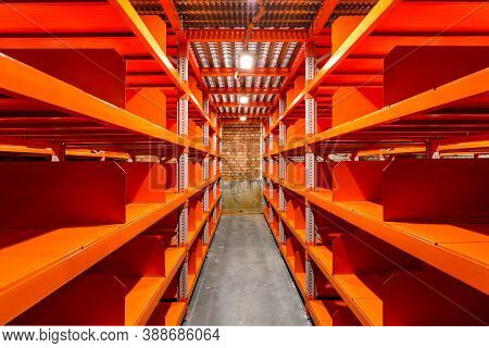 Large Newly Build Warehouse With Steel Shelves, Empty Warehouse Racks, Empty Metal Shelf In Storage