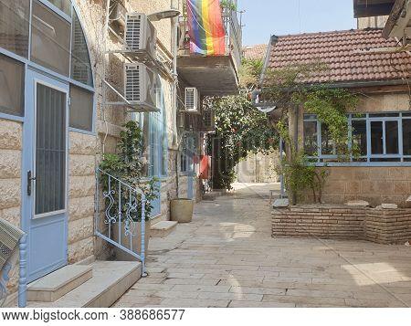 Jerusalem, Israel. September 15, 2020. A View Of A Typical Cozy Jerusalem Yard Close To The Jaffa St