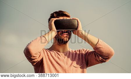 Designing 3d Objects. Educational Futuristic Program. Cyber Space. Virtual Reality. Game Online. Vir