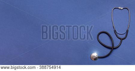 Gray Stethoscope Top View. Stethoscope With Reflection. Stethoscope Background. Stethoscope With Ref