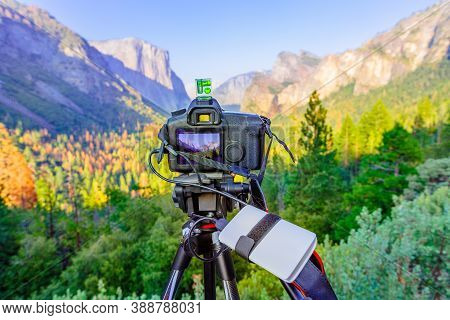 Time-lapse Of Panoramic Photography At El Capitan And Half Dome At Sunset: El Capitan, Half Dome And