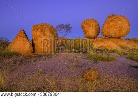Night At Devils Marbles In Karlu Karlu - Devils Marbles Conservation Reserve. Australian Outback Lan