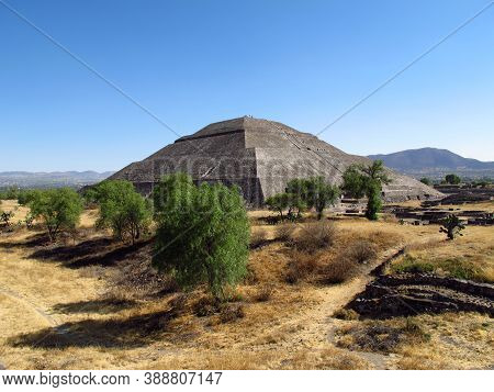 The Pyramid Of The Sun In Ancient Ruins Of Aztecs, Teotihuacan, Mexico