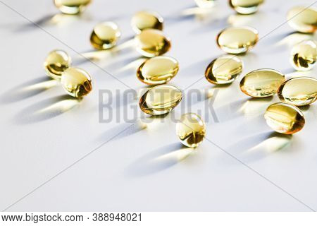 Omega 3 Fish Oil Capsules For Healthy Diet Nutrition, Pharma Brand Store, Probiotic Drug Pills As He