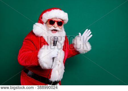 Portrait Of His He Nice Attractive Handsome Cheerful Cheery Santa Star Soloist Mc Pj Father Singing