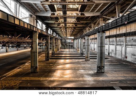 abandoned old vehicle repair station