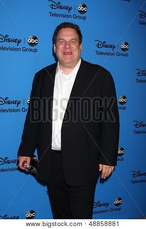 LOS ANGELES - AUG 4:  Jeff Garlin arrives at the ABC Summer 2013 TCA Party at the Beverly Hilton Hotel on August 4, 2013 in Beverly Hills, CA
