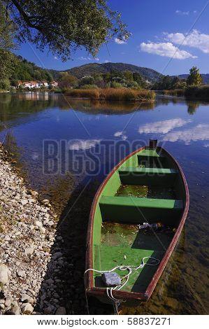 Boat on the river Una