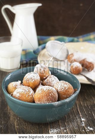 Sugar And Cinnamon Fritters
