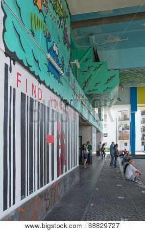 Metro Wall Painting