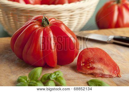 Sliced fresh Coeur de Boeuf Tomato