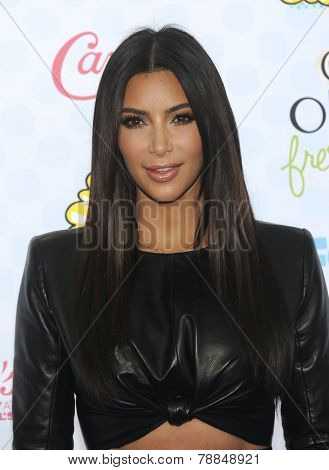 LOS ANGELES - AUG 10:  Kim Kardashian arrives to the Teen Choice Awards 2014  on August 10, 2014 in Los Angeles, CA.