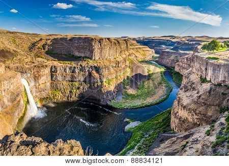 Palouse Fall And Rainbow in Washington
