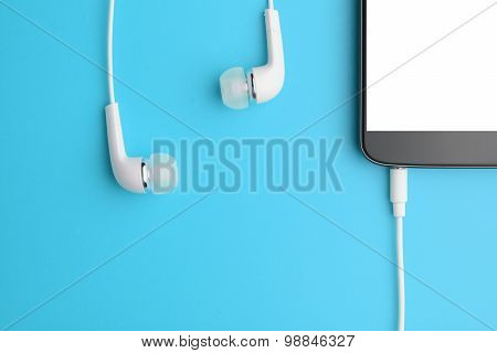 Smartphone With Connected Headphones