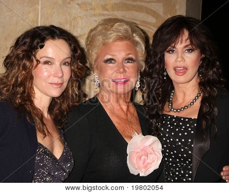 LOS ANGELES - MAR 27: Jennifer Grey, Mitzi Gaynor, &  Marie Osmond arriving at the 25th Annual Professional Dancers Society Gypsy Awards at Beverly Hilton Hotel on March 27, 2011 in Beverly Hills, CA