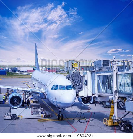 check in of an airliner at the gate