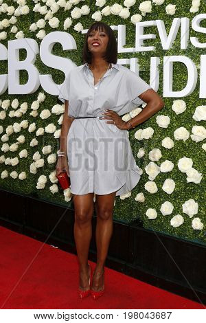 LOS ANGELES - AUG 1:  Aisha Tyler at the CBS TV Studios Summer Soiree TCA Party 2017 at the CBS Studio Center on August 1, 2017 in Studio City, CA