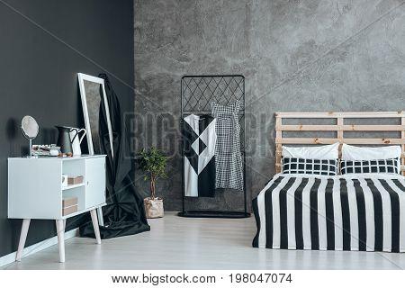 Black Overlay On Mirror
