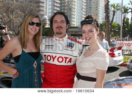 LOS ANGELES - APR 16:  Kim Coates and Daughters  attend the Toyota Grand Prix Pro Celeb Race at the Toyota Grand Prix Track on April 16, 2011 in Long Beach, CA.