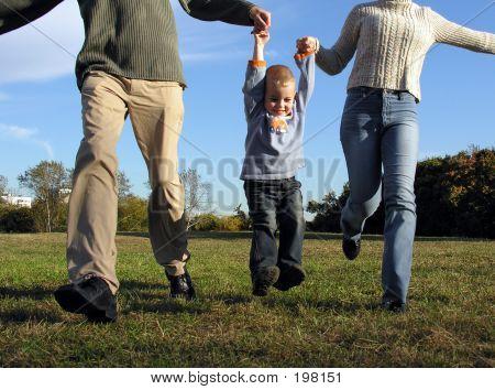 Çocuk ve ebeveyn eller
