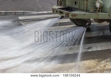 Street Flusher In Action 2