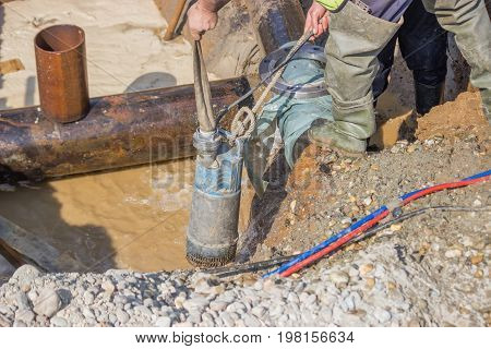 Submersible Water Pump Drain Trench 2