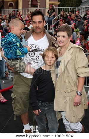 LOS ANGELES - MAY 7:  Adrian Pasdar, Natalie Maines, family arriving at the