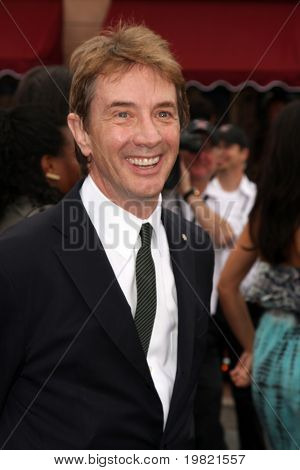 LOS ANGELES - MAY 7:  Martin Short arriving at the