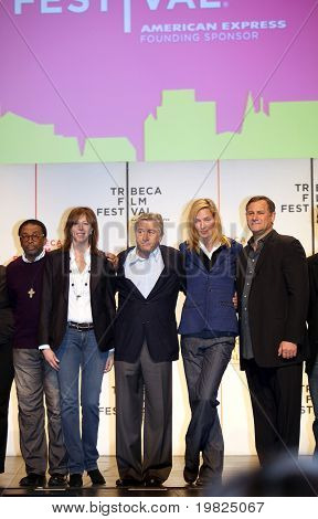 NEW YORK - APRIL 21 : L-R Spike Lee, Jane Rosenthal, Robert De Niro, Uma Thurman and Craig Hatkoff at press conference for Tribeca Film Festival opening April 21, 2009 in New York