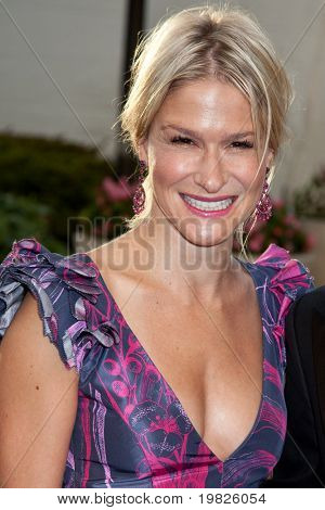 NEW YORK - SEPTEMBER 21: Julie Macklowe attends the Metropolitan Opera 2009-  on September 21, 2009 in New York City.