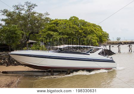 Speedboat ready to send tourists to all islands.