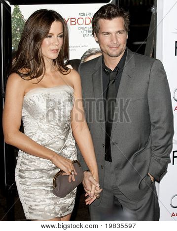 HOLLYWOOD, CA. - NOVEMBER 3: Kate Beckinsale (L) and Len Wiseman (R) attend the AFI Fest premier of Everybody's Fine on November 3, 2009 at The  Grauman's Chinese Theater in Hollywood.