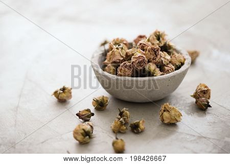 Rose. Dried flowers in a bowl