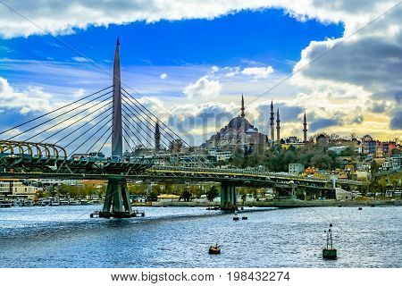 Istanbul cityscape on a sunny day, with Suleymaniye Mosque and its impresive minarets, Istanbul, Constantinople, Turkey