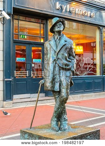 DUBLIN, IRELAND - NOVEMBER 07, 2013: Sculpture of the Irish novelist and poet James Joyce